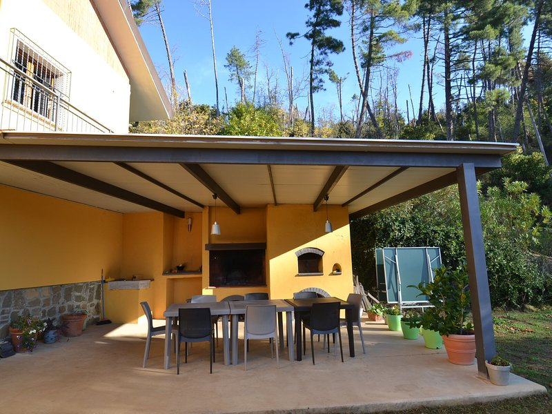 Spectacular Holiday Home in Pescia with Swimming Pool, holiday rental in Malocchio