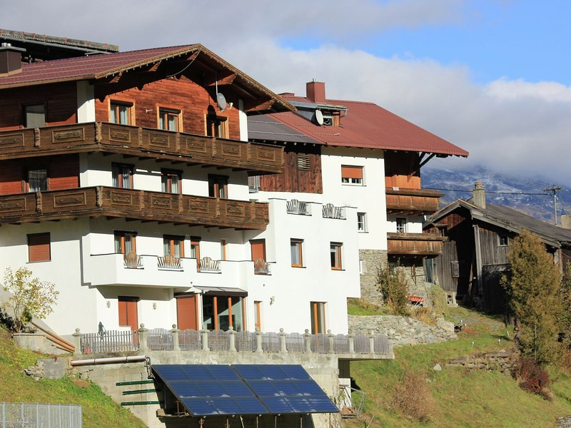 Beautiful properties situated onmountain rangesof Kppl, vacation rental in Samnaun