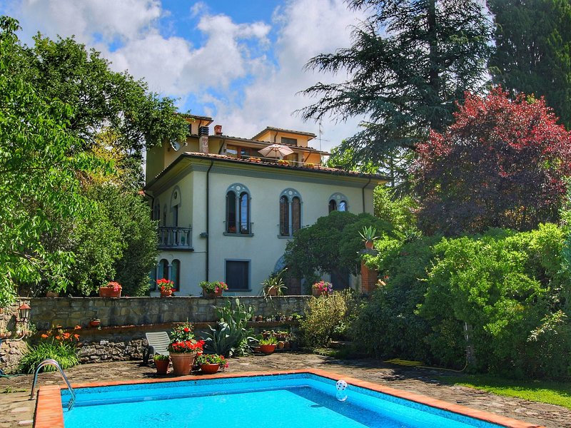 Modern Villa in Subbiano Italy with Swimming Pool, holiday rental in Subbiano