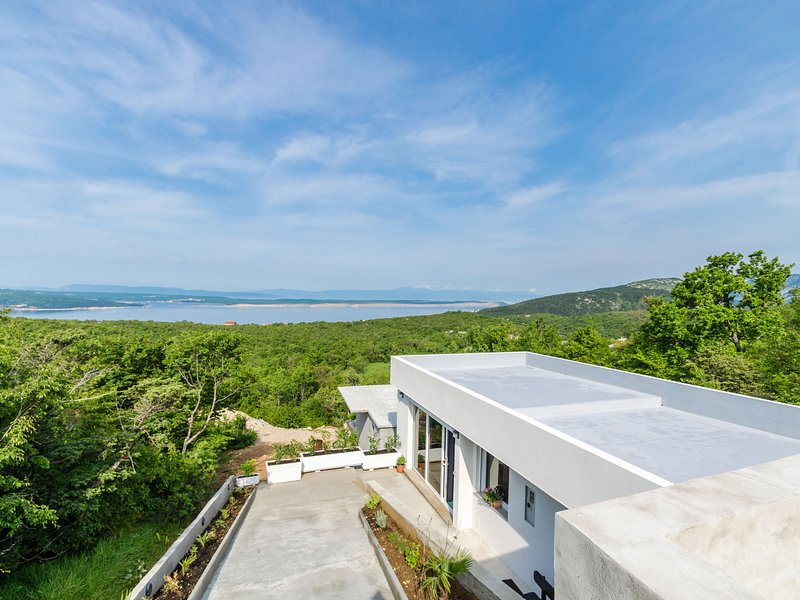 Modern Holiday Home at Crikvenica with Sea View, vacation rental in Beli