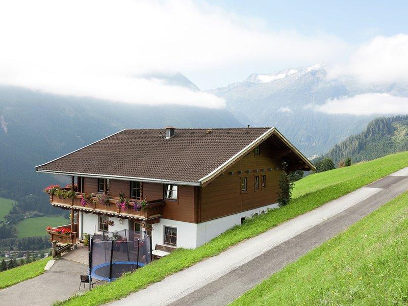 Spacious Apartment near Ski Area in Königsleiten, holiday rental in Vorderkrimml