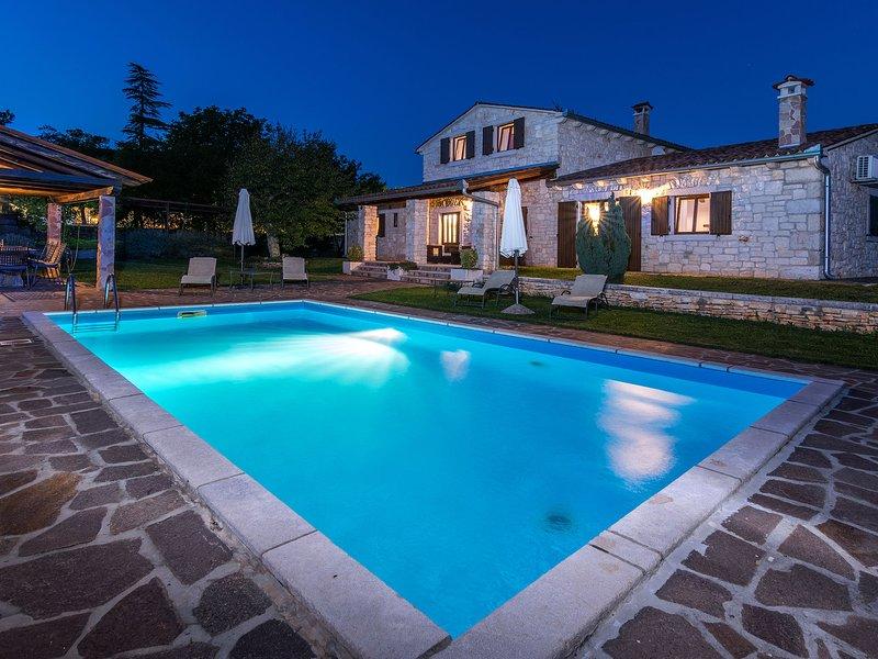 Lovely Villa in Tinjan in Central Istria, Croatia, holiday rental in Kringa