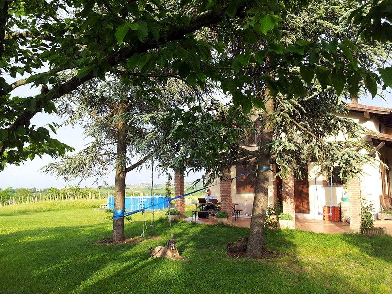 Farmhouse Stay at Santa Maria Lombardy with Pool, alquiler de vacaciones en Nibbiano