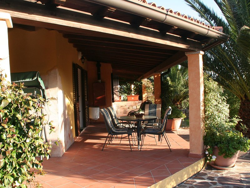 House with swimming pool,  in 3 hectares of Mediterranean scrub and fruit trees., holiday rental in Monti