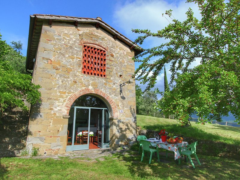 Magnificent detached house with panoramic views, holiday rental in Rufina