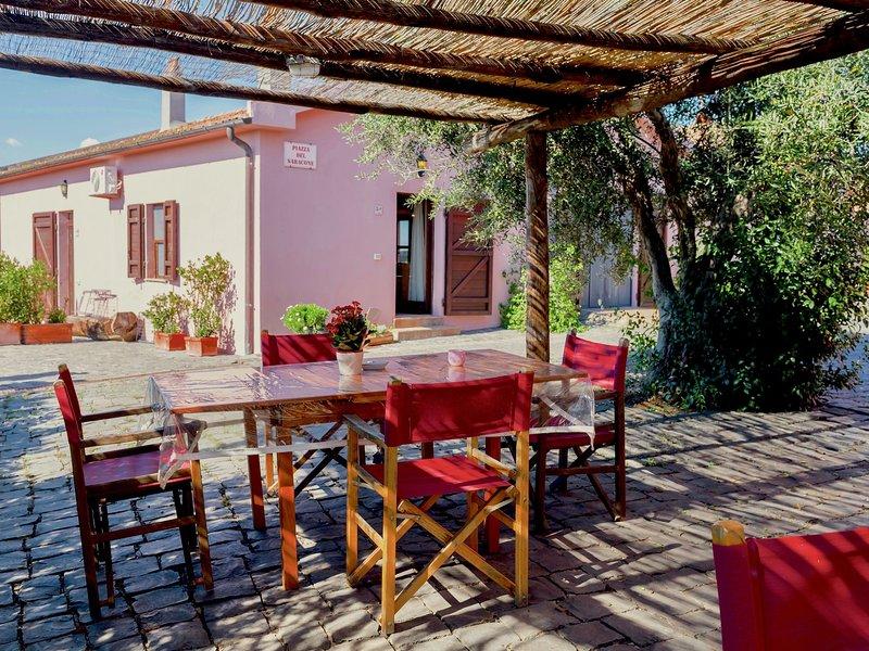 Luxurious Farmhouse in Montalto di Castro with Swimming Pool, vacation rental in Montalto di Castro
