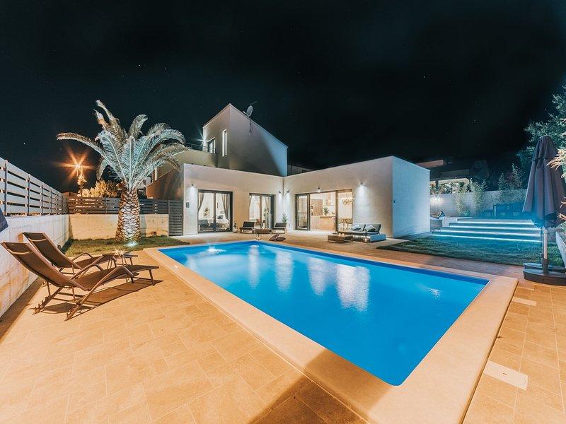 Exclusive Villa in Novigrad Istria with Swimming Pool, alquiler de vacaciones en Novigrad