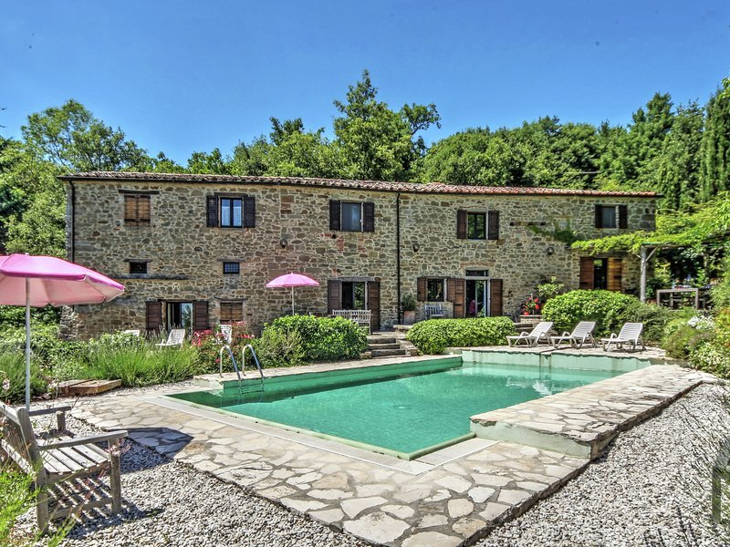 Rustic villa with private pool in the Apennines at 850 mt, holiday rental in Citerna
