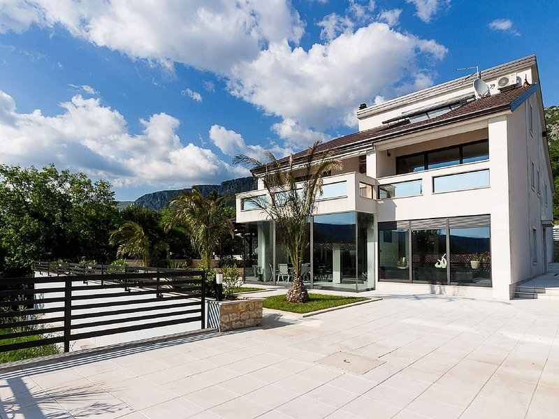 Luxurious Villa in Grižane with Sauna, holiday rental in Kamenjak