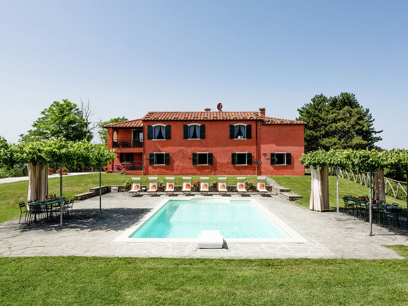 Luxurious Villa in Tredozio Tuscany with Pool, holiday rental in Popolano