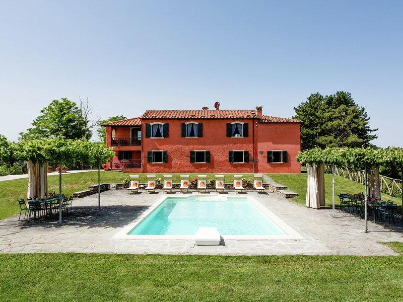 Luxurious Villa in Tredozio Tuscany with Pool, vacation rental in Tredozio