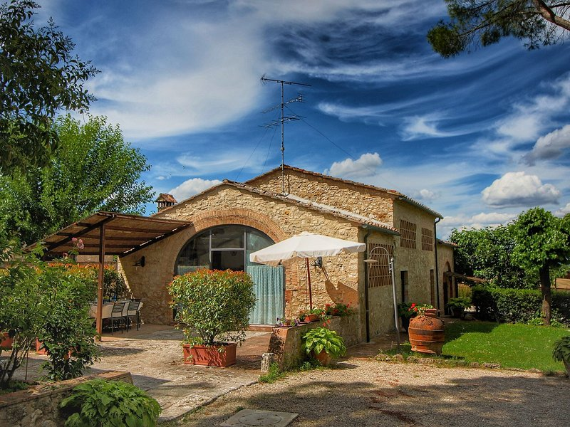 Holiday Home in Tuscany with Swimming  Pool, vacation rental in Gracciano