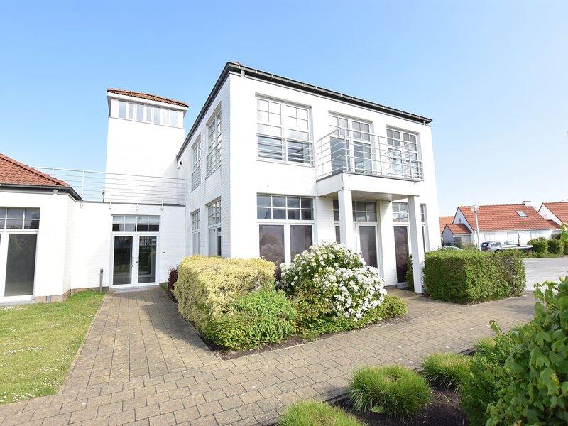 Modern Apartment in De Haan by the Seabeach, holiday rental in Klemskerke