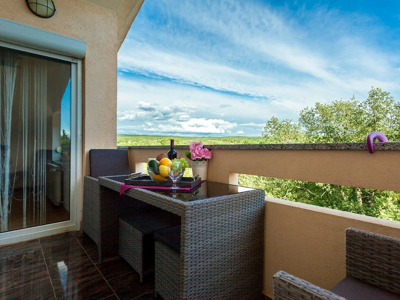 Pleasant Apartment on the Croatian Islands amid the Sea, location de vacances à Sveti Anton