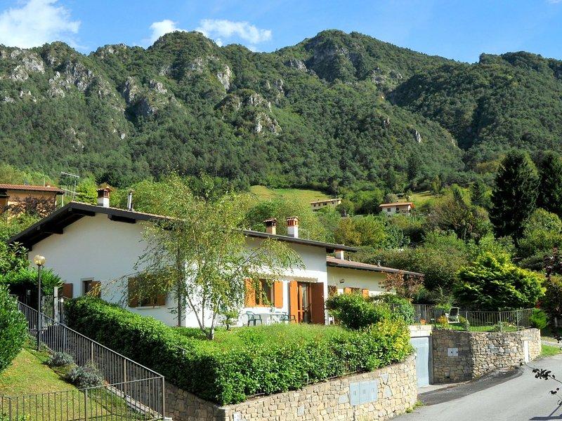Modern Holiday Home in Idro Lombardy near Lake Idro, holiday rental in Bondone