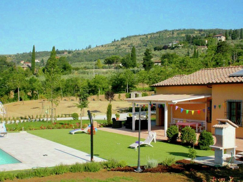 Villa with private pool for 6 people, holiday rental in Castiglion Fiorentino