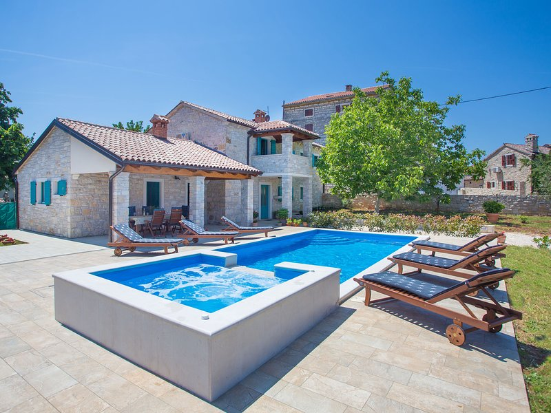 Cozy Villa in Medvidici Istria, Croatia, alquiler de vacaciones en Sveti Lovrec
