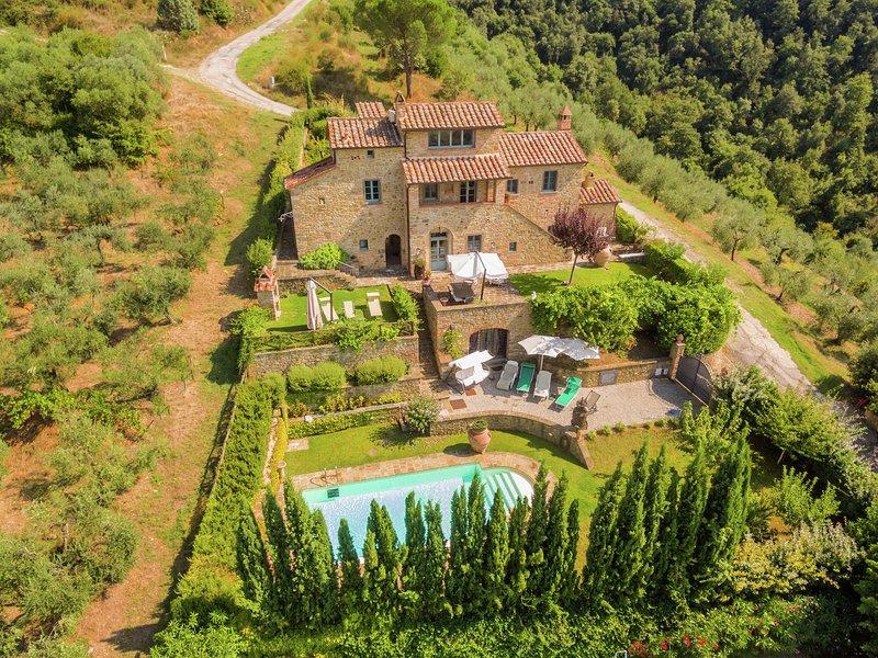 Lavish Villa in Cortona with Swimming Pool, vacation rental in Terontola
