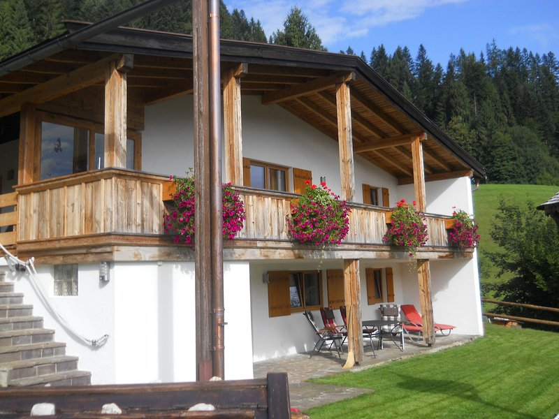 Cozy Chalet in Niederndorf bei Kufstein near Ski Area, vacation rental in Walchsee