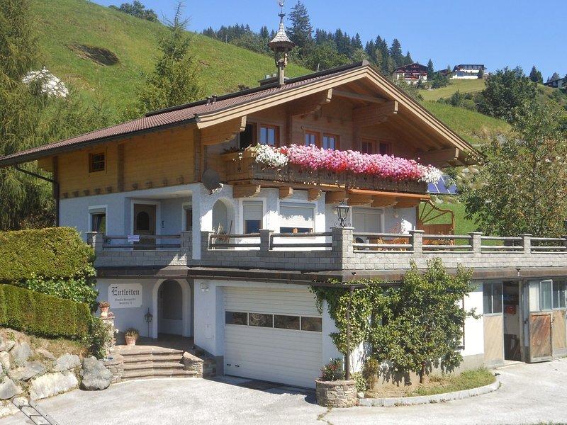 Sunlit Apartment near Ski Area in Hollersbach im Pinzgau, location de vacances à Hollersbach im Pinzgau