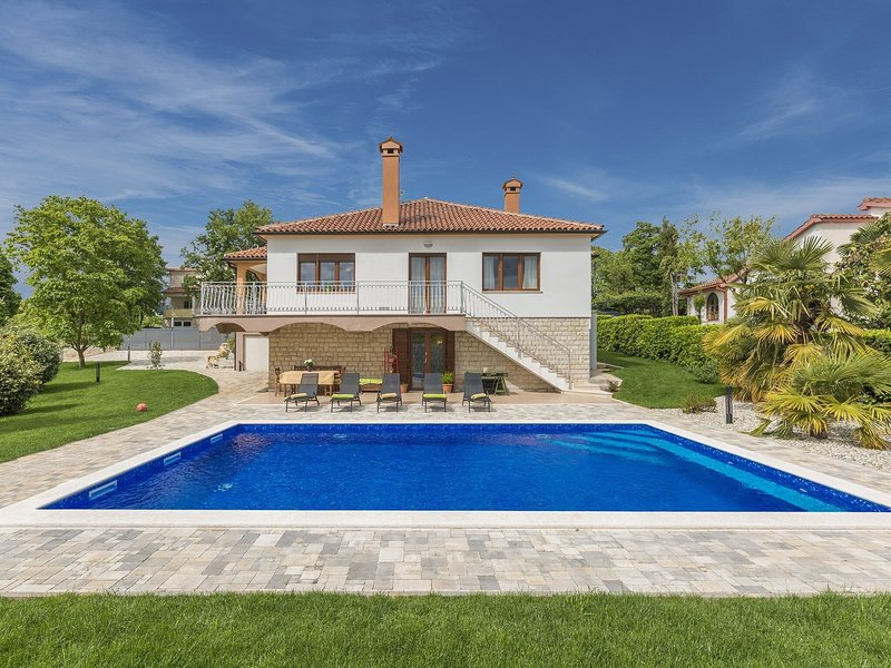 Modern Villa in Istria with Swimming Pool, vacation rental in Porec
