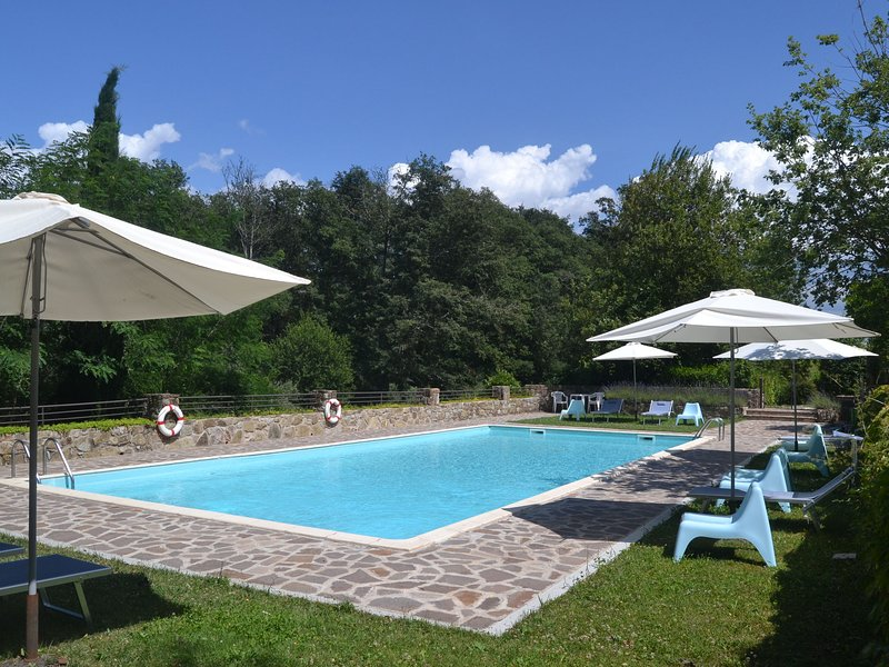 Country estate with a 16th century castle in the Chianti area, holiday rental in La Panca