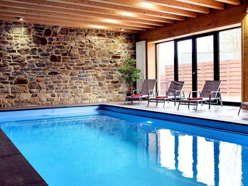 Luxurious Holiday Home in Waimes with Jacuzzi, location de vacances à Waimes
