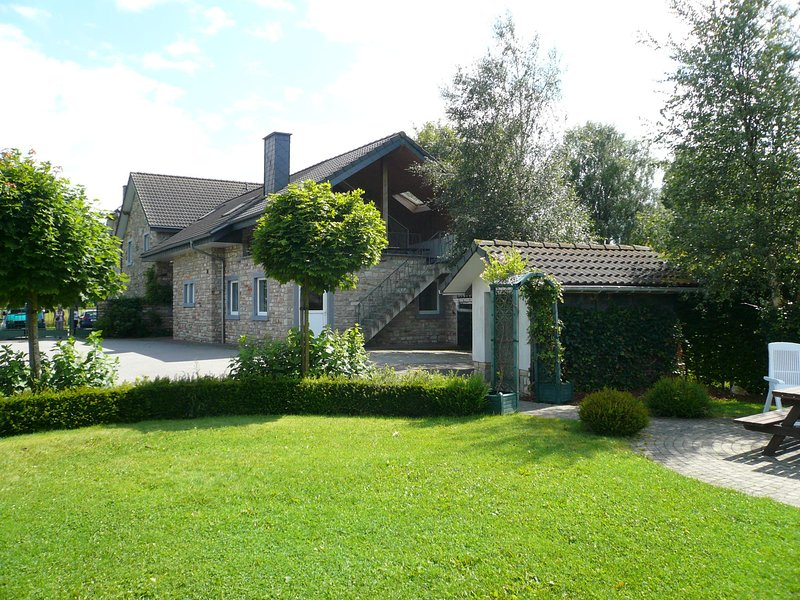 Perfect accommodation in which to combine work with leisure, holiday rental in Robertville