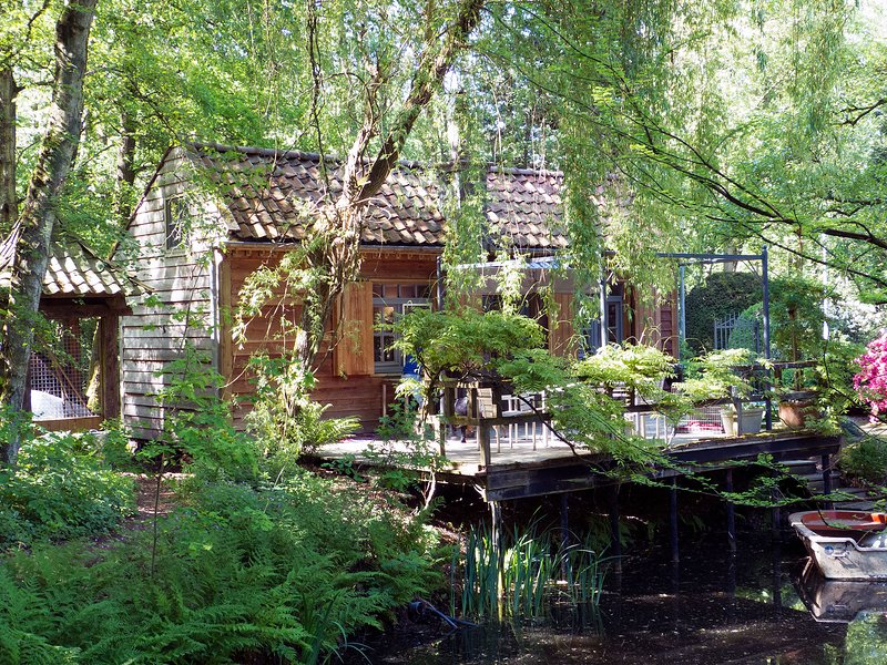 Delightful Chalet in Opglabbeek near Lake, alquiler de vacaciones en Dilsen-Stokkem