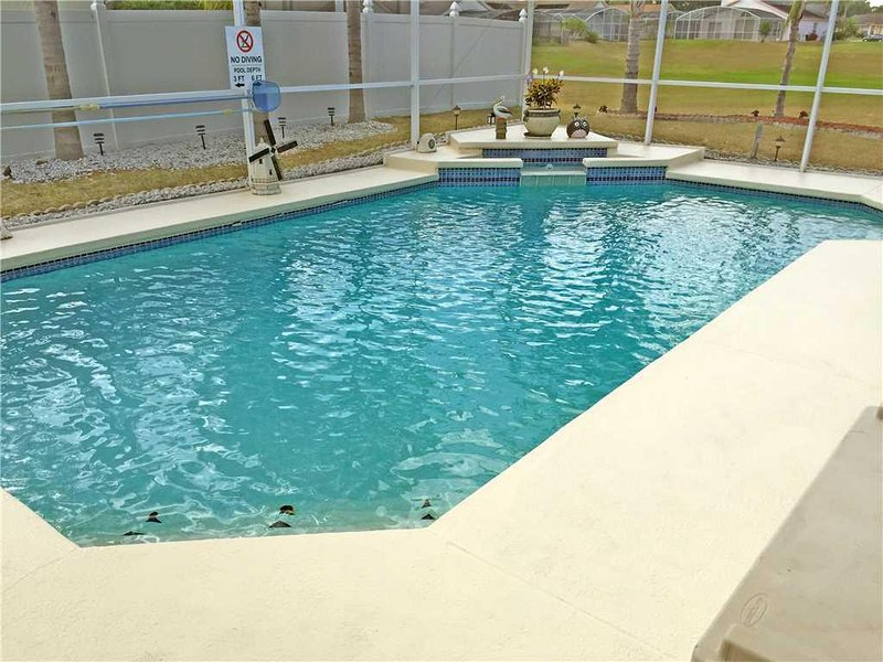 Water,Pool,Swimming Pool,Outdoors,Building