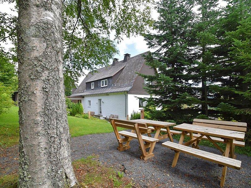 Spacious Cottage in Neuastenberg Sauerland near Ski Area, holiday rental in Langewiese