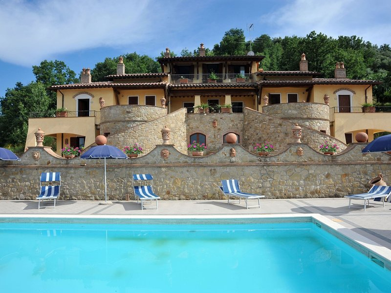 Luxury Mansion in Umbria with a Pool, vacation rental in Canalicchio