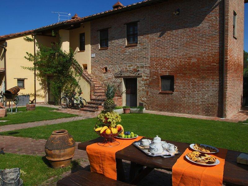Cozy Farmhouse in Castiglione del Lago with Pool, casa vacanza a Panicarola