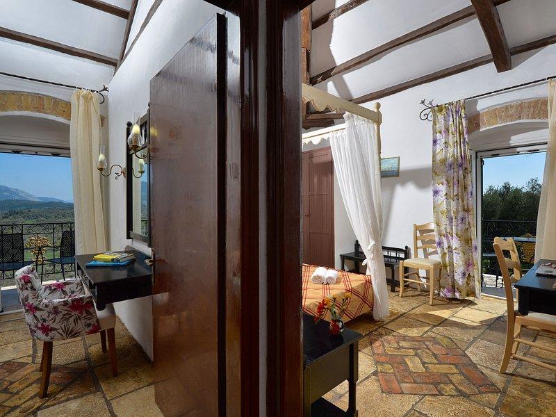 Spacious Apartment  in Paleokastrites with Swimming Pool, aluguéis de temporada em Gefira