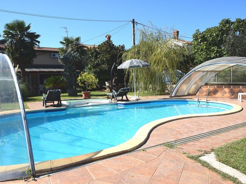 Spacious Holiday Home with Private Pool in Verteneglio, location de vacances à Fiorini