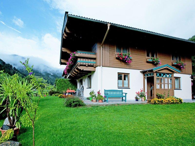 Mod Apartment near Ski Area in Saalbach-Hinterglemm, vacation rental in Viehhofen
