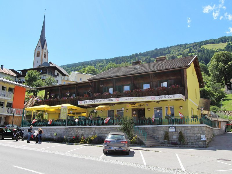 Lovely apartment in the the centre of Winklern at the Hohe Tauern national park, holiday rental in Mortschach