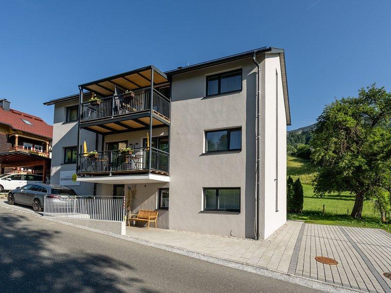 Lavish Apartment  in Sankt Georgen With Balcony, vacation rental in Bruck an der Grossglocknerstrasse