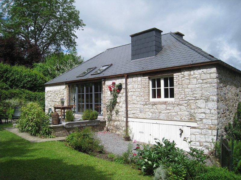 A comfortable holiday house and stylishly furnished., Ferienwohnung in Dinant