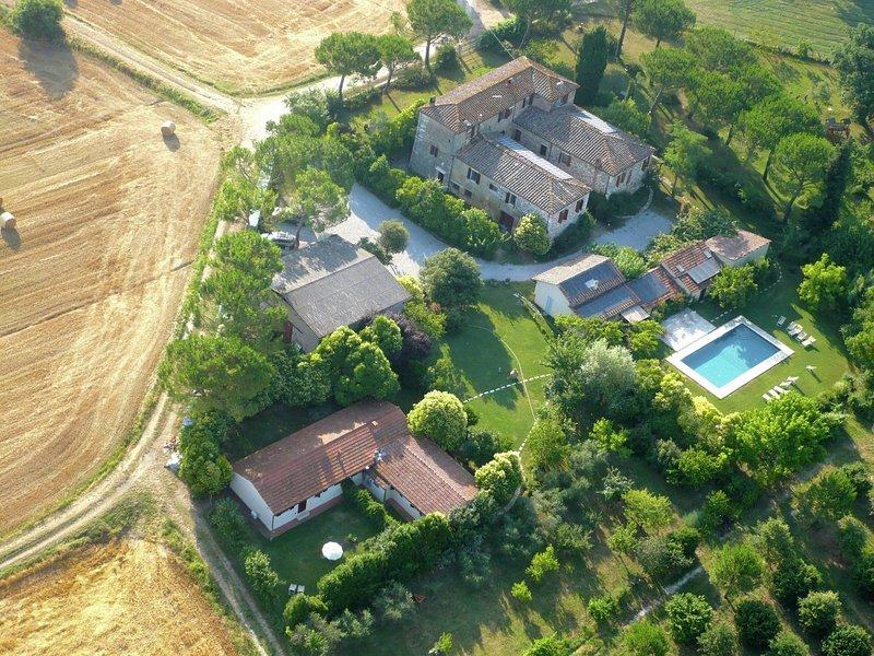 Exclusive Farmhouse in Asciano Italy with Swimming Pool, holiday rental in Serre di Rapolano