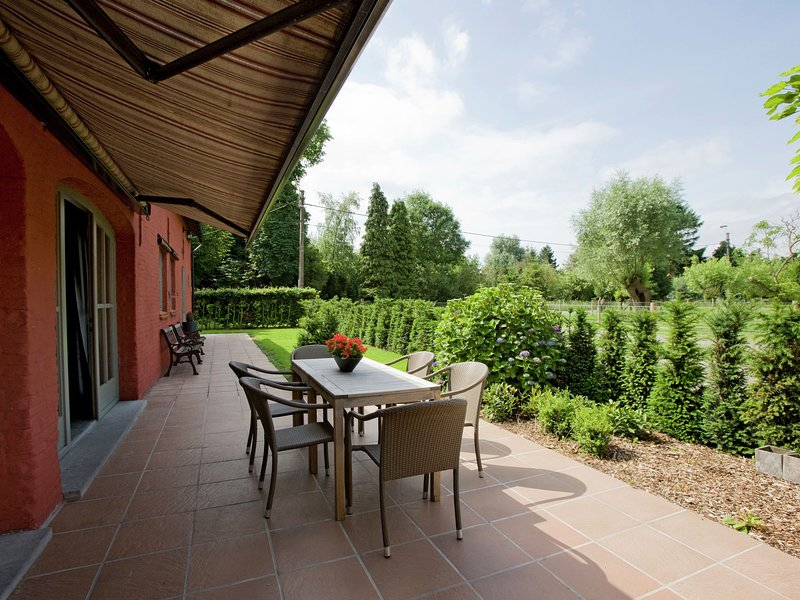 Pleasing Holiday Home in Maldegem near the Forest, location de vacances à Beernem
