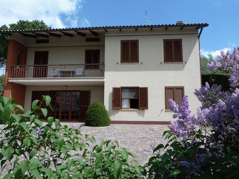 Quaint Holiday Home in Magione with Garden, vacation rental in Sant'Arcangelo