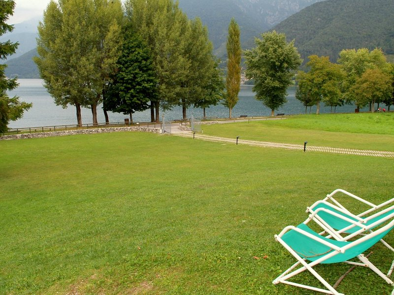 Scenic Holiday Home in Ledro near Spiggia Besta Lido, vakantiewoning in Tiarno di Sotto