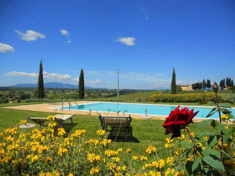Serene Holiday Home in Stabbia with Pool, Bikes & Garden, holiday rental in Stabbia