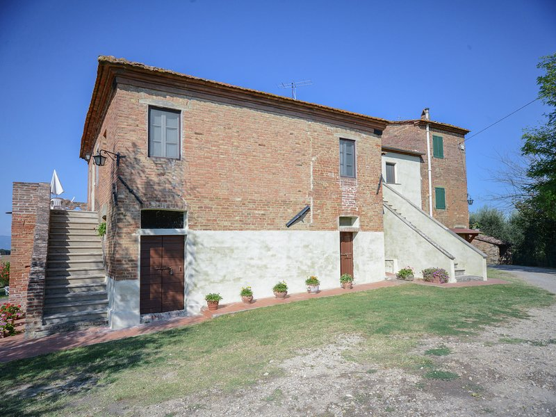 Exotic Umbrian Farmhouse in a Citadel with mesmerizing views, holiday rental in Cozzano