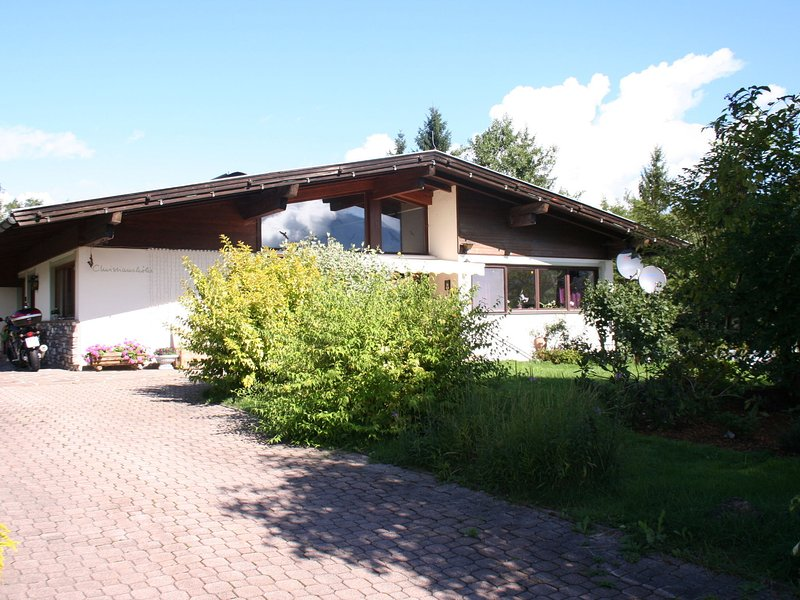 Spacious Apartment in Hopfgarten im Brixental near Ski Area, vacation rental in Hopfgarten im Brixental