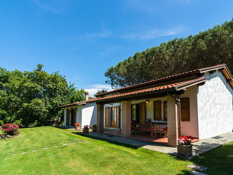 A holiday villa for 8 people in Ciuffenna Tuscany, vacation rental in Pieve di Chio