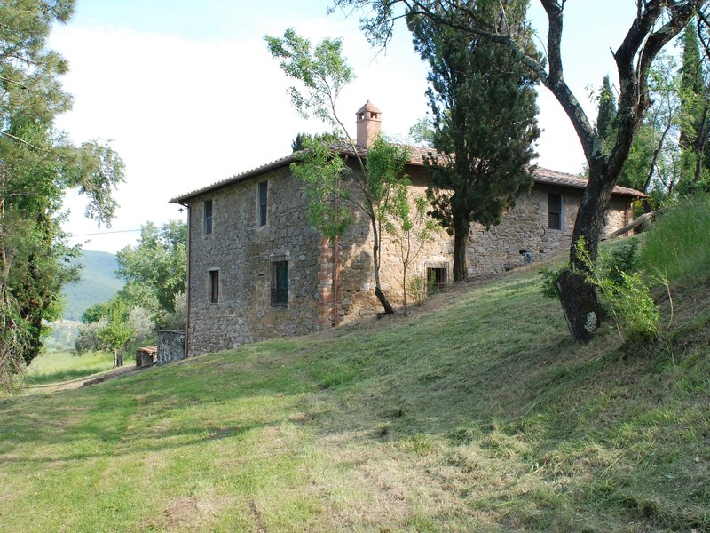 Rustic detached holiday home with spacious garden, lots of privacy and a beautif, location de vacances à San Savino