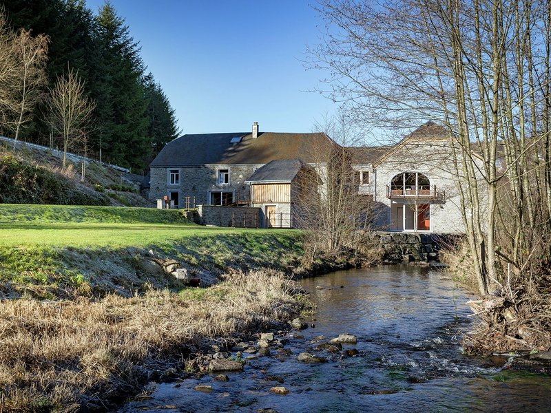 Cozy Holiday Home in Gedinne near Forest, holiday rental in Louette-St-Pierre