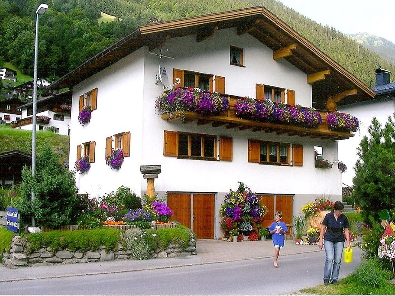 Lovely Apartment near a Ski Area in Silbertal, holiday rental in Vorarlberg